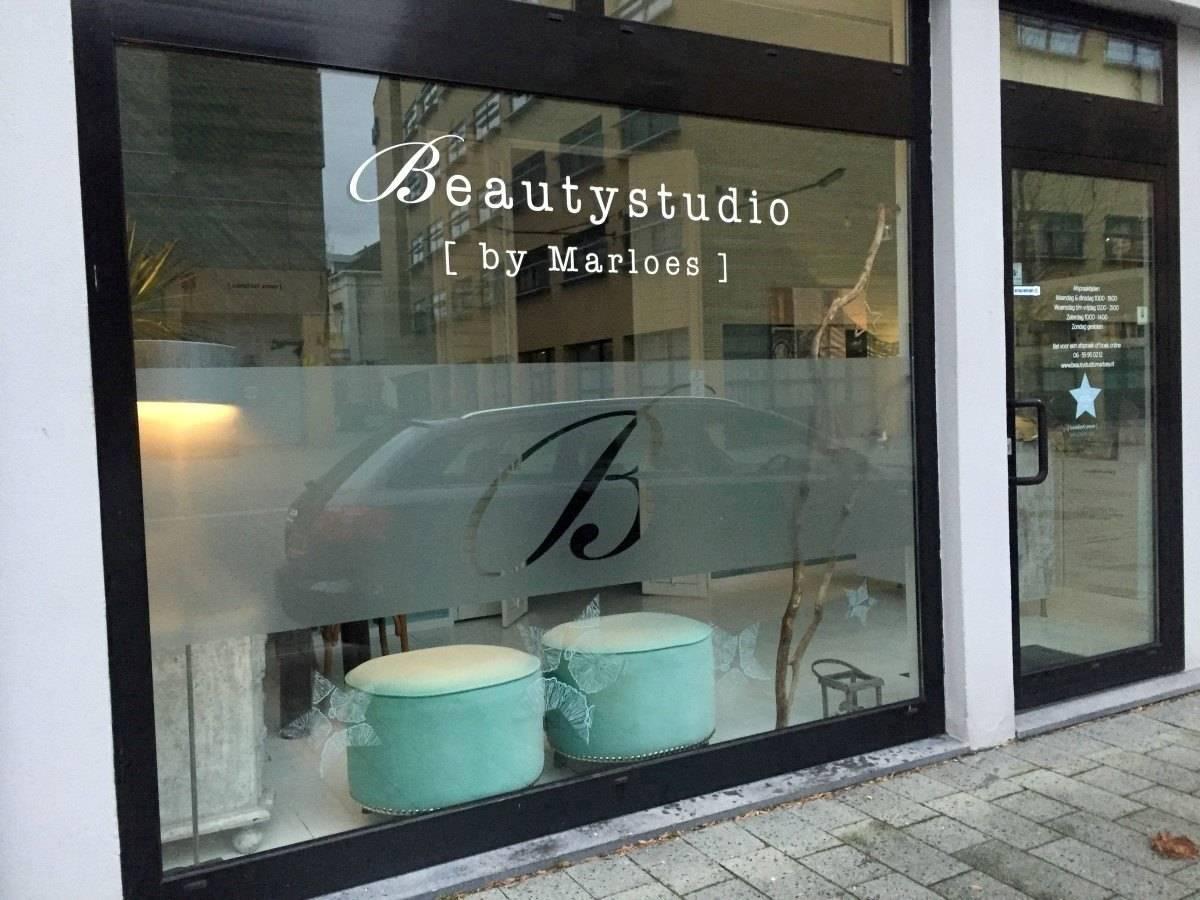 Raambelettering Beautystudio Marloes