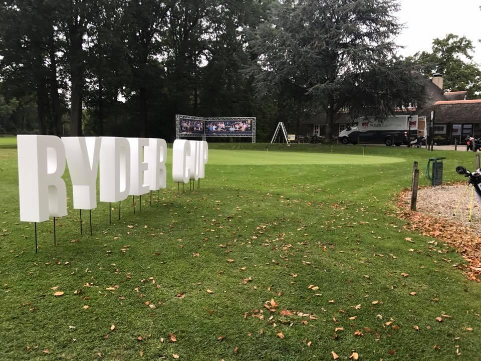 Piepschuimletters Golfclub Driene
