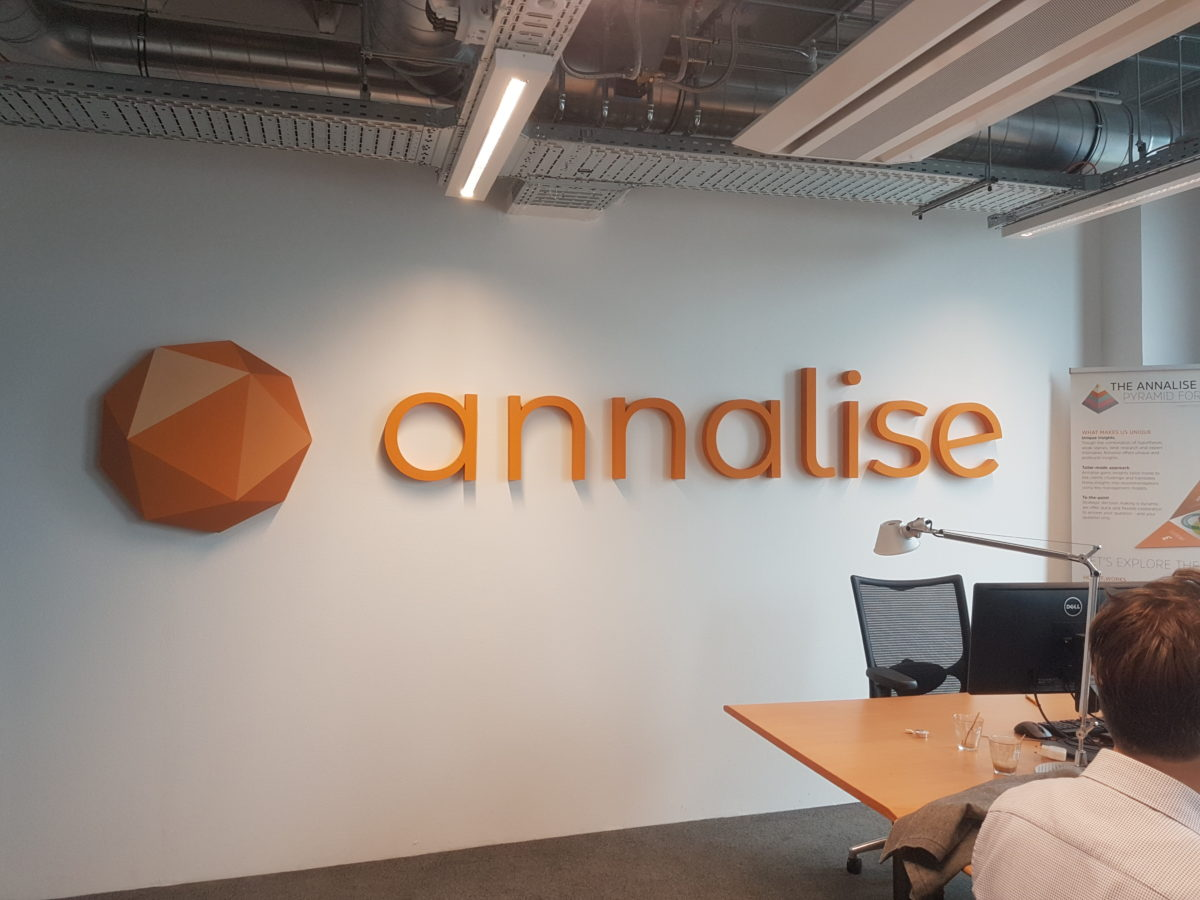 Piepschuim logo